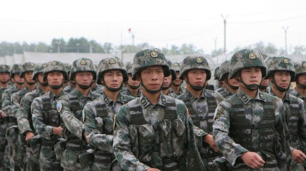 Soldiers of the ground force units of the People's Liberation Army (PLA) of China (file photo)